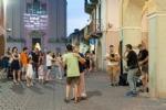 CARMAGNOLA - Scatta la Notte dei Saldi a Carmagnola. Negozi aperti e attrazioni per i bambini - immagine 1