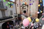 MONCALIERI - Collegiata gremita per lultimo saluto ad Elisa Ferrero. A Moncalieri è lutto cittadino - immagine 8