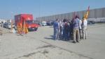 ORBASSANO - I sindacati bloccano i camion della Tark: «Ritirate i licenziamenti». - immagine 1