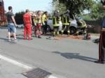 PIOSSASCO - I medici sciolgono la prognosi: fuori pericolo la 26enne finita contro un albero in via Nino Costa - immagine 1