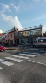BEINASCO - Incendio devasta unabitazione, due anziani bloccati - immagine 2