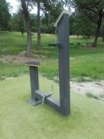 NICHELINO - Vandali al parco Boschetto, rovinato anche un attrezzo della palestra a cielo aperto - immagine 1