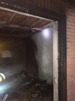 PIOSSASCO - Va a fuoco un appartamento, evacuata una palazzina in via Riva Po - LE FOTO - - immagine 1