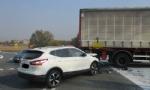 NICHELINO - Perde il controllo del camion e si schianta contro unauto - LE FOTO - - immagine 1