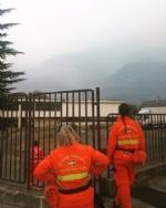 CINTURA SUD - Il fumo degli incendi arriva in pianura. LArpa: «Possono aumentare concentrazioni di Pm10» - immagine 1