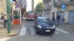ORBASSANO - Si ribalta il camion durante i lavori a una casa, operaio in ospedale - immagine 1