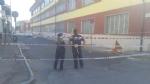 NICHELINO - Crolla un cornicione delledificio ex Granato Mobili: transennata la via - immagine 1