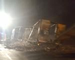 LA LOGGIA - Tir carico di caffè distrutto da un incendio nella notte - immagine 1