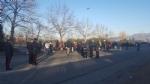 MONCALIERI - Protesta dei profughi: «Siamo senza documenti». Occupata via Postiglione - FOTO - immagine 1