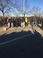 MONCALIERI - Protesta dei profughi: «Siamo senza documenti». Occupata via Postiglione - FOTO - immagine 2