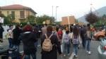 PIOSSASCO - I cittadini scendono in piazza per il caro-trasporti - immagine 3