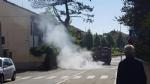 MONCALIERI - Auto in fiamme in strada Revigliasco. Salvo il conducente - immagine 1
