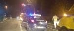 TROFARELLO - Auto prende fuoco mentre è ferma al semaforo. Paura in via Torino - immagine 1