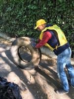 NICHELINO - Maxi discarica abusiva ripulita lungo la pista ciclabile del Sangone - LE FOTO - - immagine 1