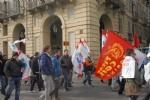 NICHELINO - Nel corteo dei lavoratori Embraco, anche il sindaco e lassessore Verzola - LE FOTO - - immagine 2