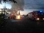 NICHELINO - Esplode una bombola da campeggio nella stazione di servizio: a fuoco un camion e due furgoni - immagine 2