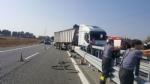 CANDIOLO - Grave incidente sullautostrada Torino-Pinerolo, camionista in condizioni critiche - LE FOTO - - immagine 3
