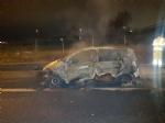 ORBASSANO - Auto prende fuoco in tangenziale, paura al Sito - LE FOTO - - immagine 2
