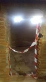 MONCALIERI - A Tetti Piatti crepe profonde nei palazzi popolari alluvionati, cittadini preoccupati - LE FOTO - - immagine 2
