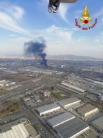 ORBASSANO-TORINO - Incendio strada del Portone, Arpa assicura: «Aria non inquinata» - immagine 2