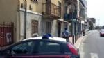 MONCALIERI - Vivevano tra rifiuti ed elettrodomestici pericolosi: i carabinieri li sgomberano - immagine 2