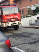 CANDIOLO - Si incendia un lampione e rovina le auto parcheggiate - LE FOTO - - immagine 2