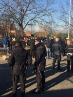 MONCALIERI - Protesta dei profughi: «Siamo senza documenti». Occupata via Postiglione - FOTO - immagine 3