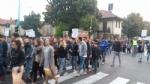 PIOSSASCO - I cittadini scendono in piazza per il caro-trasporti - immagine 2