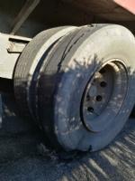 MONCALIERI-LA LOGGIA - Esplode una gomma al tir: autista salvo per miracolo - FOTO - immagine 2