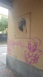 NICHELINO - Vandalizzato larco di via Stupinigi, restaurato dai volontari - immagine 3