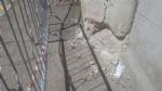 MONCALIERI - Crepe e calcinacci caduti dal ponte della ferrovia, esposto ai carabinieri. - LE FOTO - - immagine 3