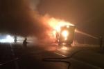LA LOGGIA - Tir carico di caffè distrutto da un incendio nella notte - immagine 4