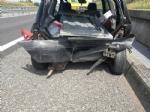 CANDIOLO - Perde un carico di lamiere in autostrada e colpisce lauto dietro: ricoverato per lo spavento - immagine 3
