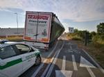 NICHELINO - Camion rischia di perdere il carico in via XXV Aprile. Disagi in zona Debouchè - immagine 3