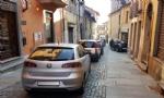 MONCALIERI - Traffico in tilt in via Santa Croce: unauto in divieto blocca anche lautobus - immagine 4