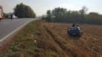 CARMAGNOLA - Esce di strada e finisce in un campo. Automobilista ricoverata al Cto - immagine 4