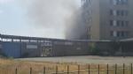 NICHELINO - Viberti ancora in fiamme: bruciano masserizie e rifiuti abbandonati  - FOTO - immagine 4