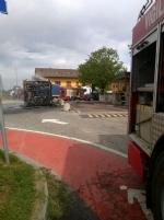 VIRLE - A fuoco un autobus, paura nella zona industriale SantAntonio - immagine 5