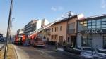 BEINASCO - Incendio devasta unabitazione, due anziani bloccati - immagine 9
