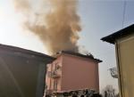 TROFARELLO - Si incendia il tetto di una palazzina: evacuate 14 famiglie - immagine 6