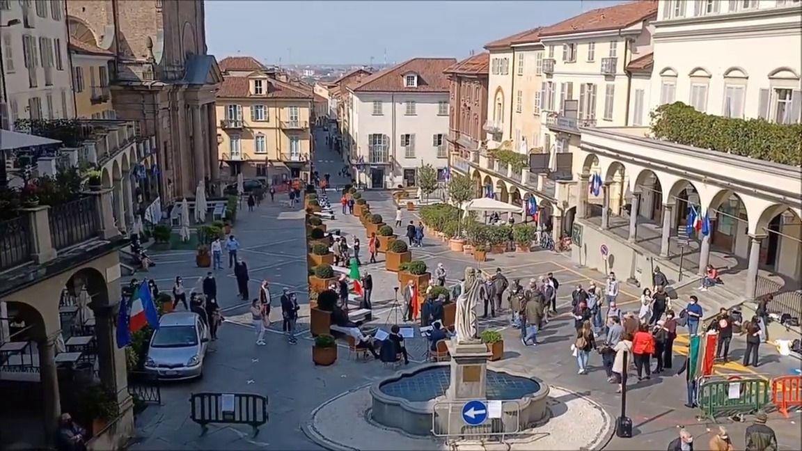 MONCALIERI - Cambia l'orario dell'isola pedonale in centro storico
