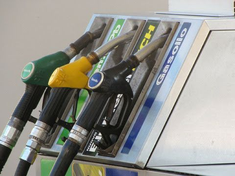TORINO SUD - Aumenti da record per benzina e diesel dopo le bollette di luce e gas