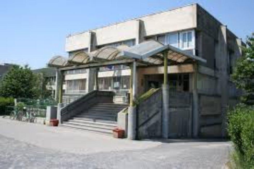 ORBASSANO - 'Adeguate la palestra dell'Amaldi-Sraffa per le attività extrascolastiche'