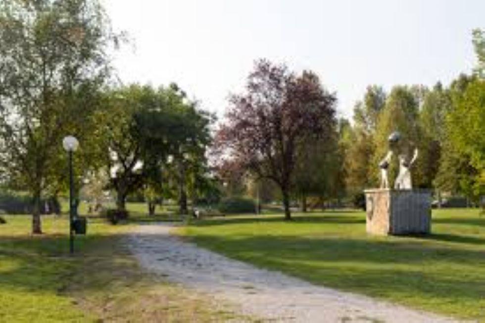 CARMAGNOLA - Il Comune decide di chiudere il parco Cascina Vigna