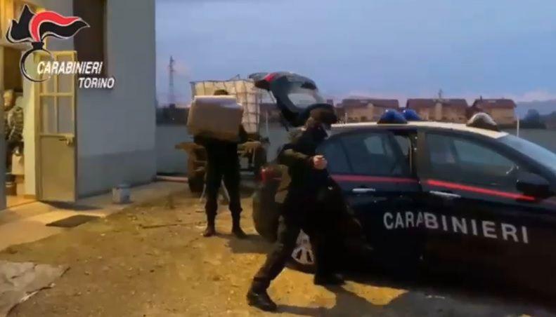 ORBASSANO - Aveva appeso volantini contro i parlamentari Cinque Stelle: denunciato