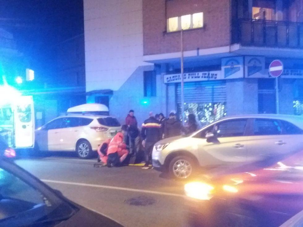 NICHELINO - Investita in via XXV Aprile: donna finisce in ospedale