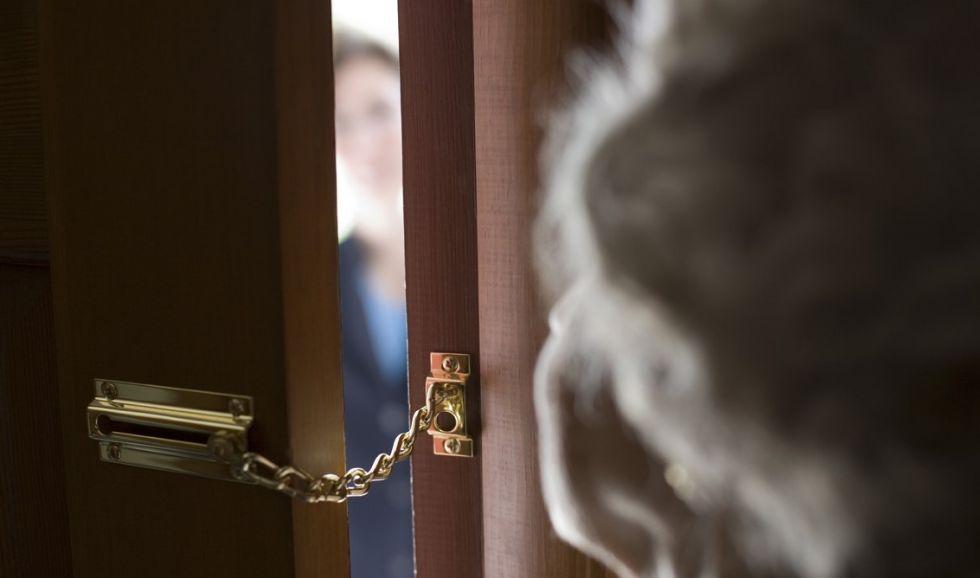 BEINASCO - Finti vigili e carabinieri truffano gli anziani: appello del Comune