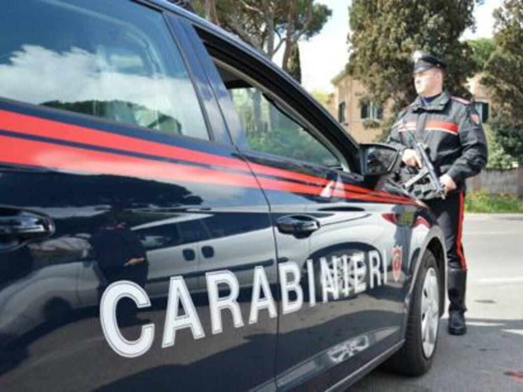 CARMAGNOLA - Maxi controllo dei carabinieri ai campi nomadi della città