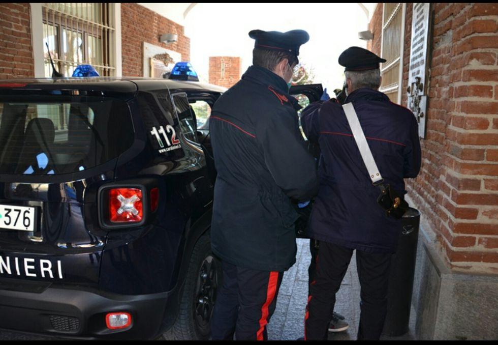 BEINASCO - Arrestato taccheggiatore rumeno alle Fornaci