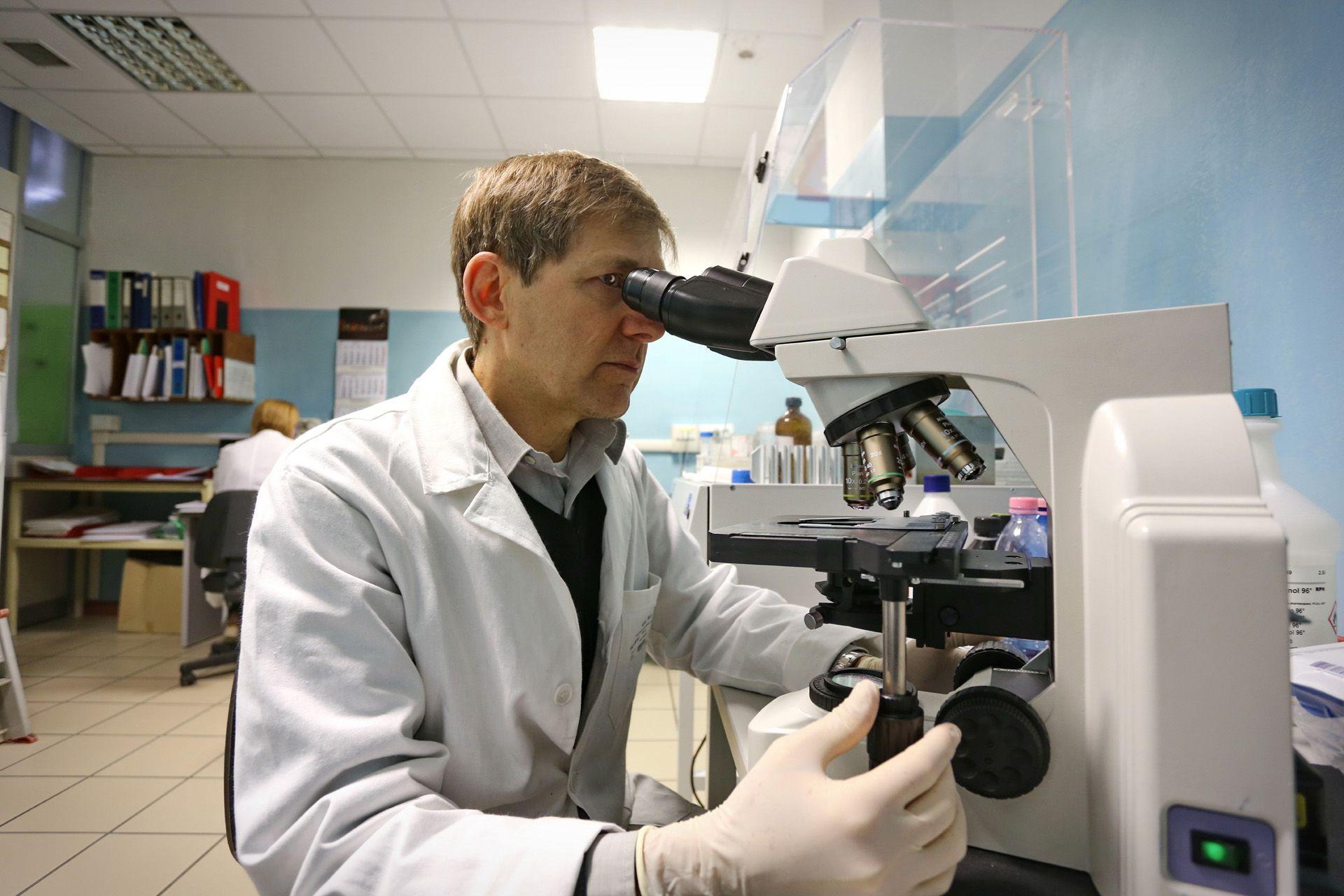 CANDIOLO - Tumore del colon: due studi realizzati a Candiolo e Torino aprono la strada a nuovi trattamenti